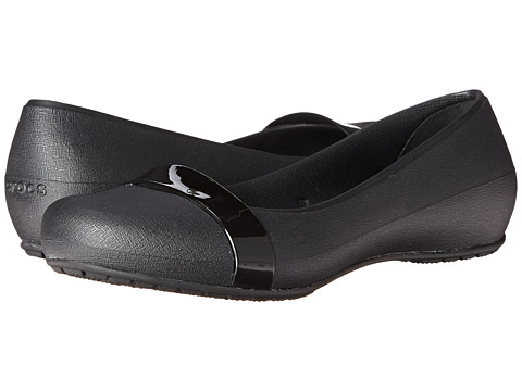 Crocs - New Commuter Plain Strap Flat (Black/Black) Women