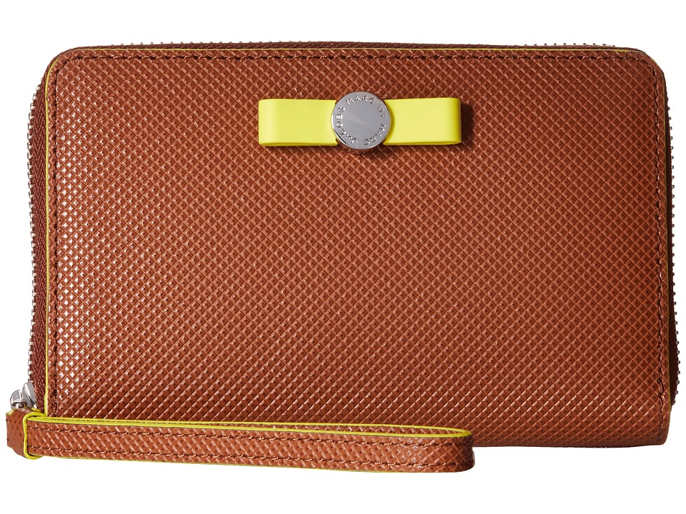 Marc by Marc Jacobs - Sophisticato Disc Bow Wingman (Cinnamon Stick) Wallet