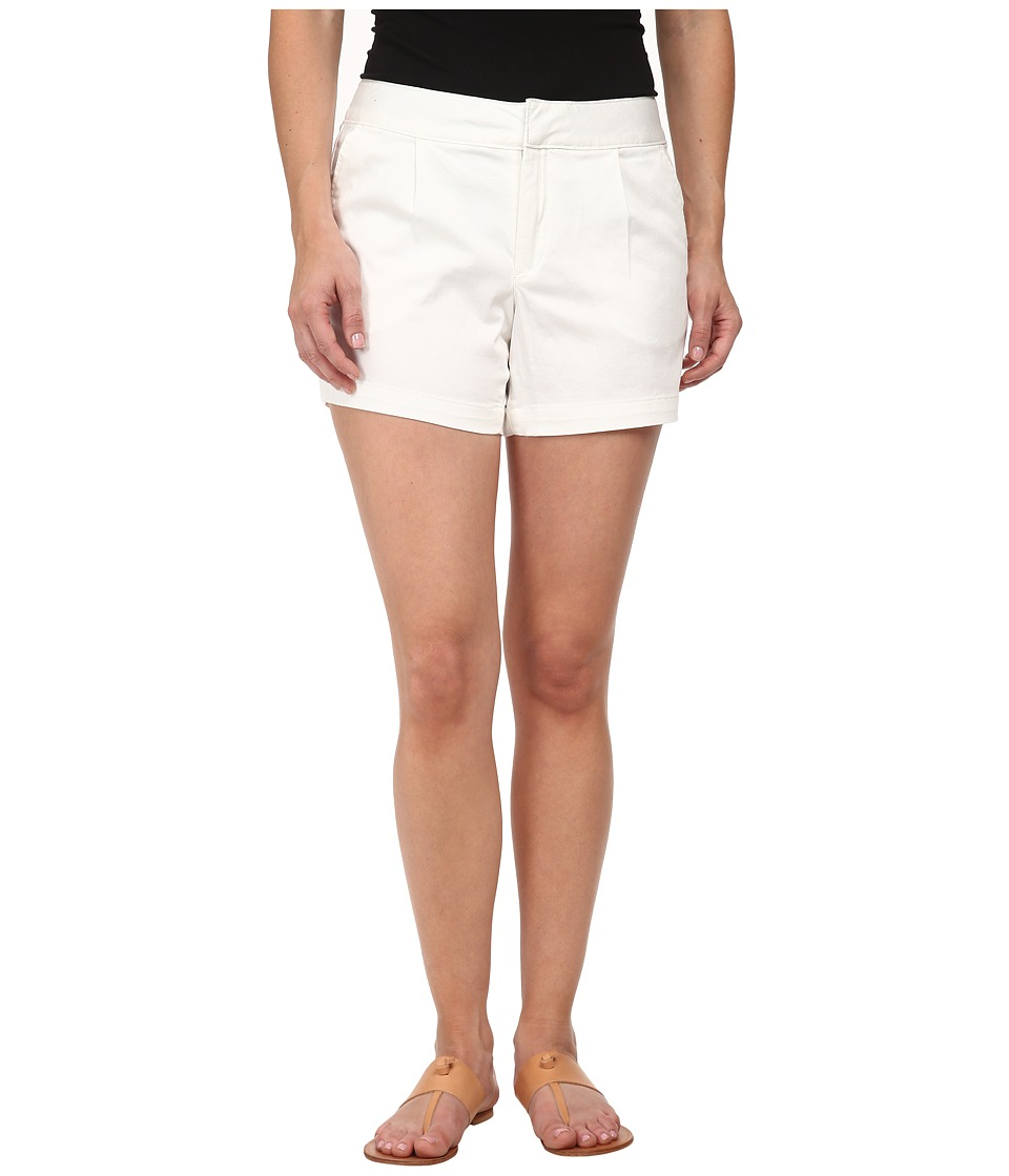 Dockers Petite - Petite Pleat Front Shorts (White) Women's Shorts
