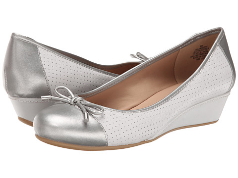 Easy Spirit - Esdawnette (Light Grey/Light Silver Leather) Women