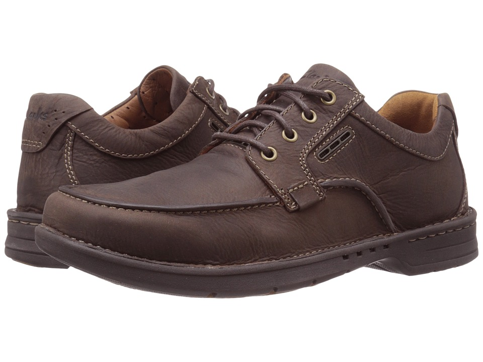 Clarks - Untilary Pace (Brown Nubuck) Men