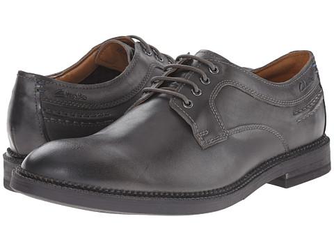 Clarks - Bushwick Dale (Grey Leather) Men's Plain Toe Shoes
