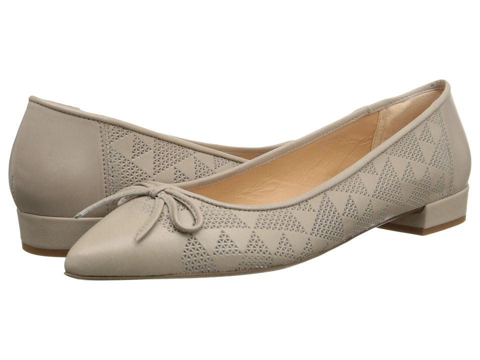 Summit White Mountain - Renila (Pearl Leather) Women's Flat Shoes