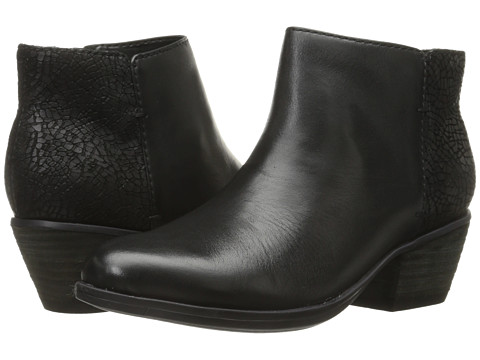 Clarks - Gelata Italia (Black Leather) Women's Boots