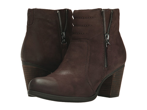 Clarks - Palma Trina (Dark Brown Nubuck) Women's Zip Boots