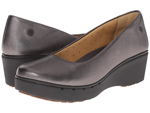 Clarks - Un Estie (Pewter Metallic Leather) Women's Shoes