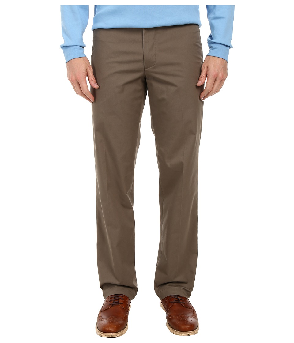Dockers Men's - Signature On the Go Khaki Pants (Concrete) Men's Casual Pants