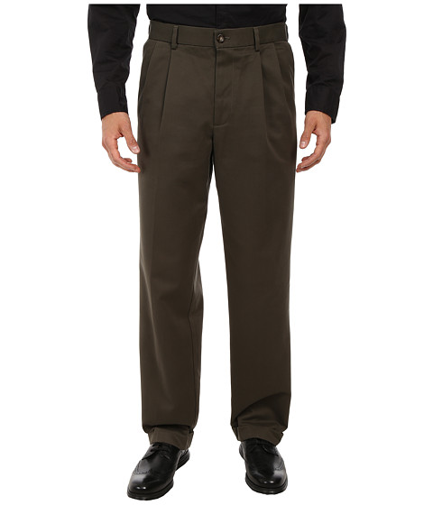 Dockers Men's - Comfort Khaki D4 Relaxed Fit Pleated (Olive) Men's Casual Pants