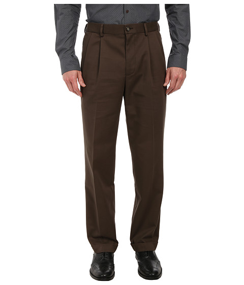 Dockers Men's - Comfort Waist Khaki D3 Classic Fit Pleated (Coffee) Men's Casual Pants
