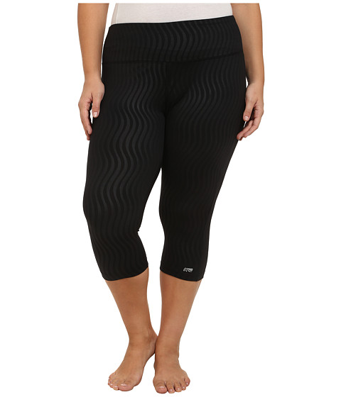 Marika Curves - Plus Size Embossed Capri Leggings (Black) Women