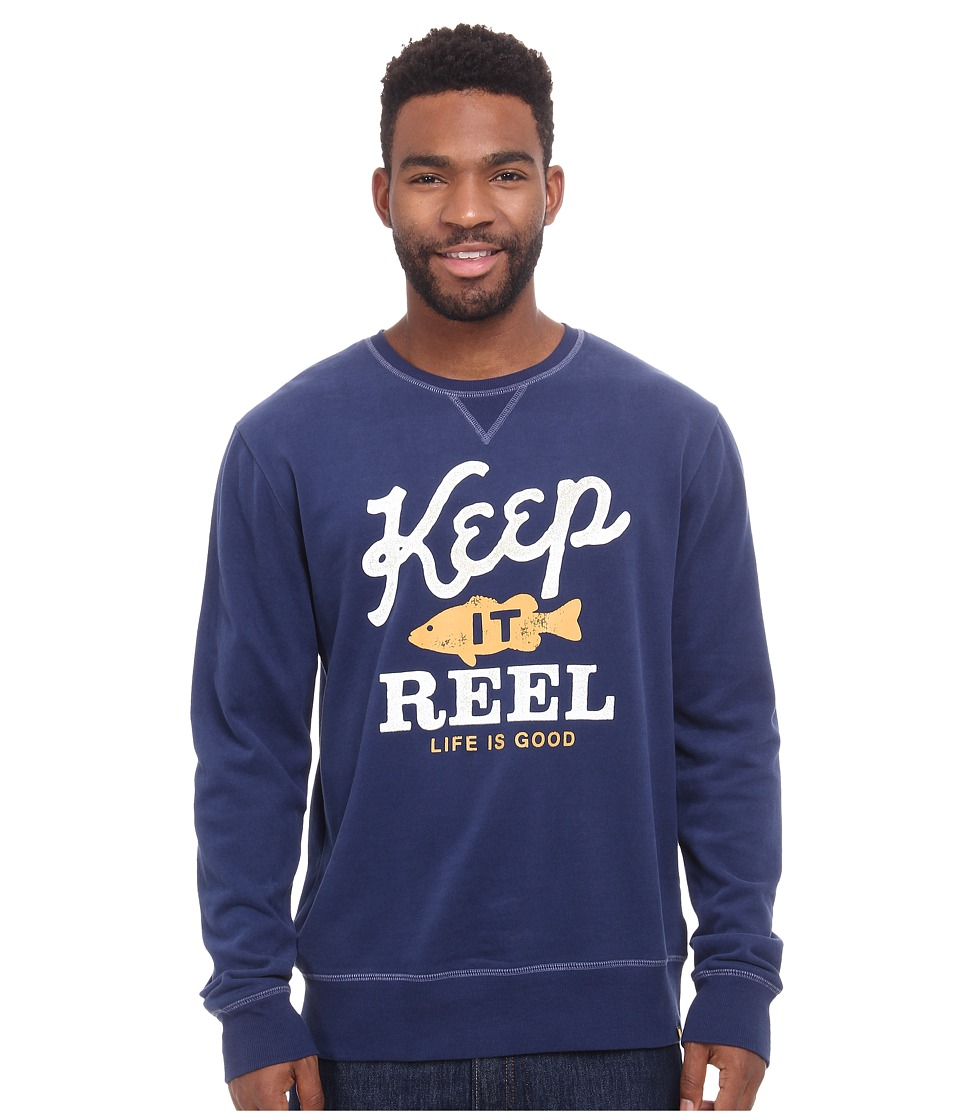 Life is good - Go-To Crew Neck Shirt (Darkest Blue) Men's Long Sleeve Pullover