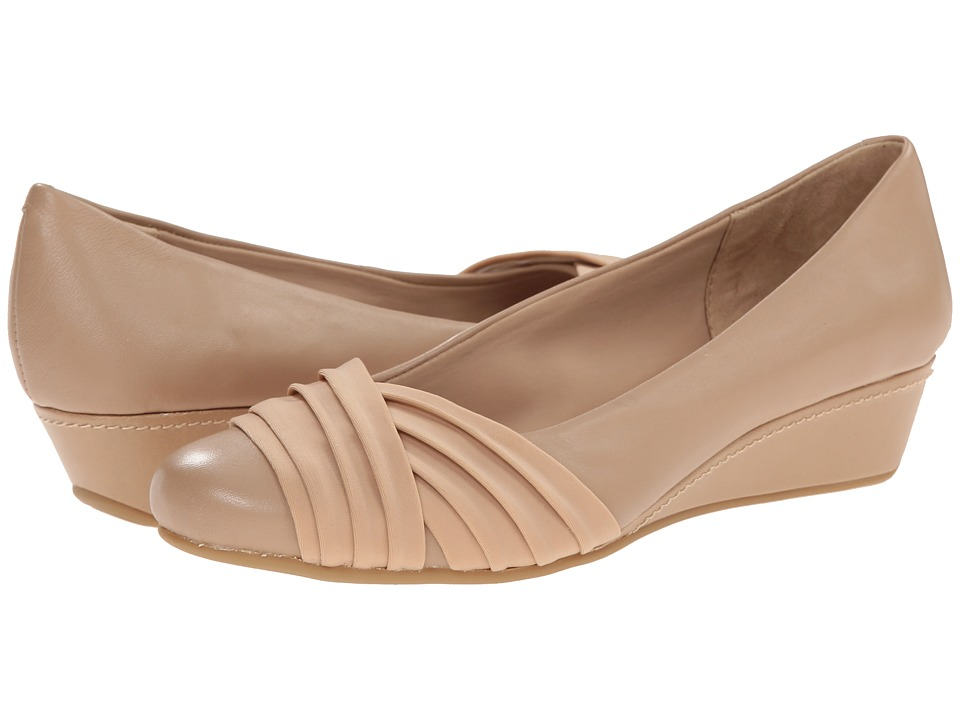 Easy Spirit - Dayna (Medium Taupe/Medium Taupe Leather) Women's Shoes