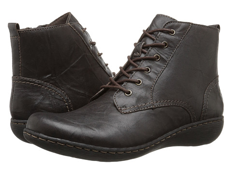 Clarks - Fianna Holly (Brown Leather) Women's Lace-up Boots