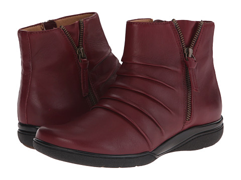 Clarks - Kearns Blush (Burgundy Leather) Women's Zip Boots