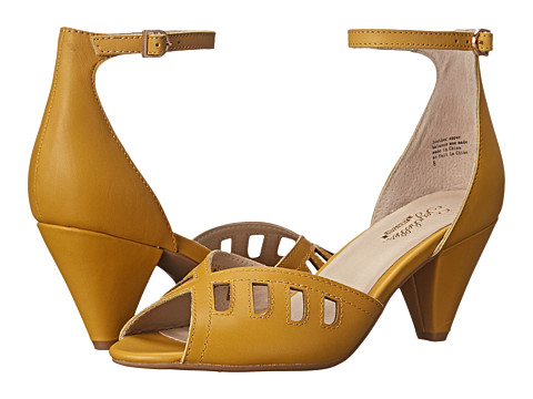 Seychelles - Astonish (Mustard) Women's 1-2 inch heel Shoes