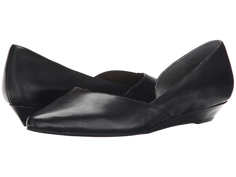 Seychelles - Advantage (Black) Women's Slip on Shoes