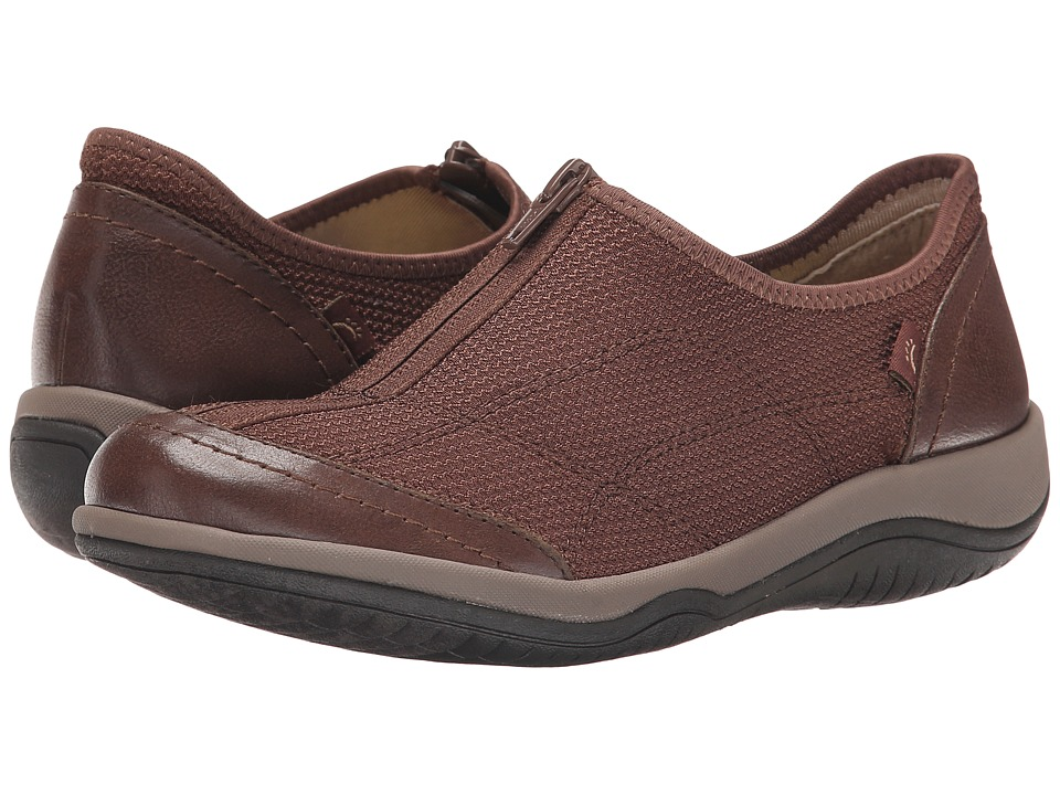 Bare Traps - Janel (Dark Brown) Women's Shoes