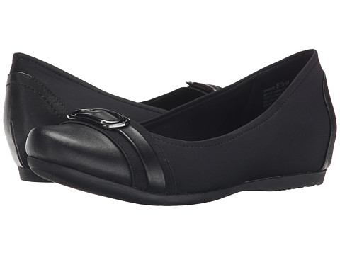 Bare Traps - Markie (Black) Women's Shoes