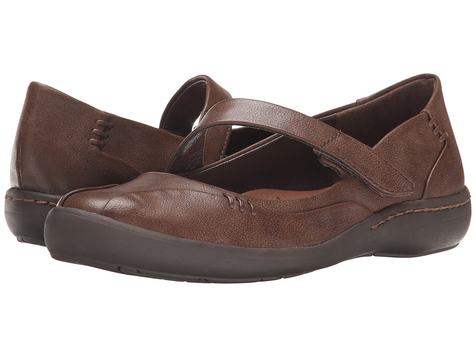 Bare Traps - Landon (Dark Brown) Women's Shoes
