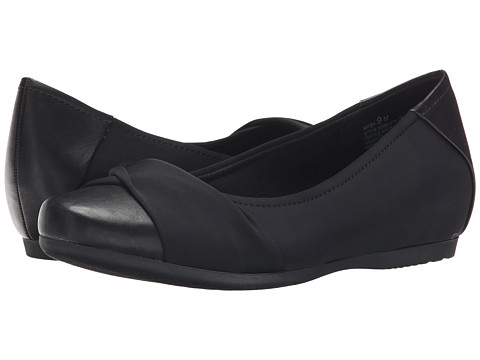 Bare Traps - Mitsy (Black) Women's Shoes