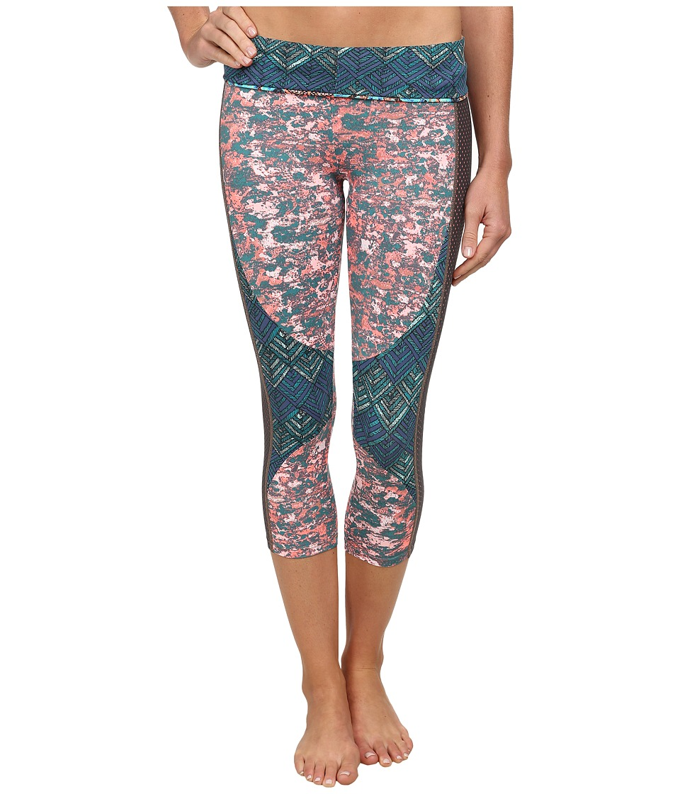 Maaji - Juicy Dawning Daisies Moss Envelope Pants (Multi) Women's Capri