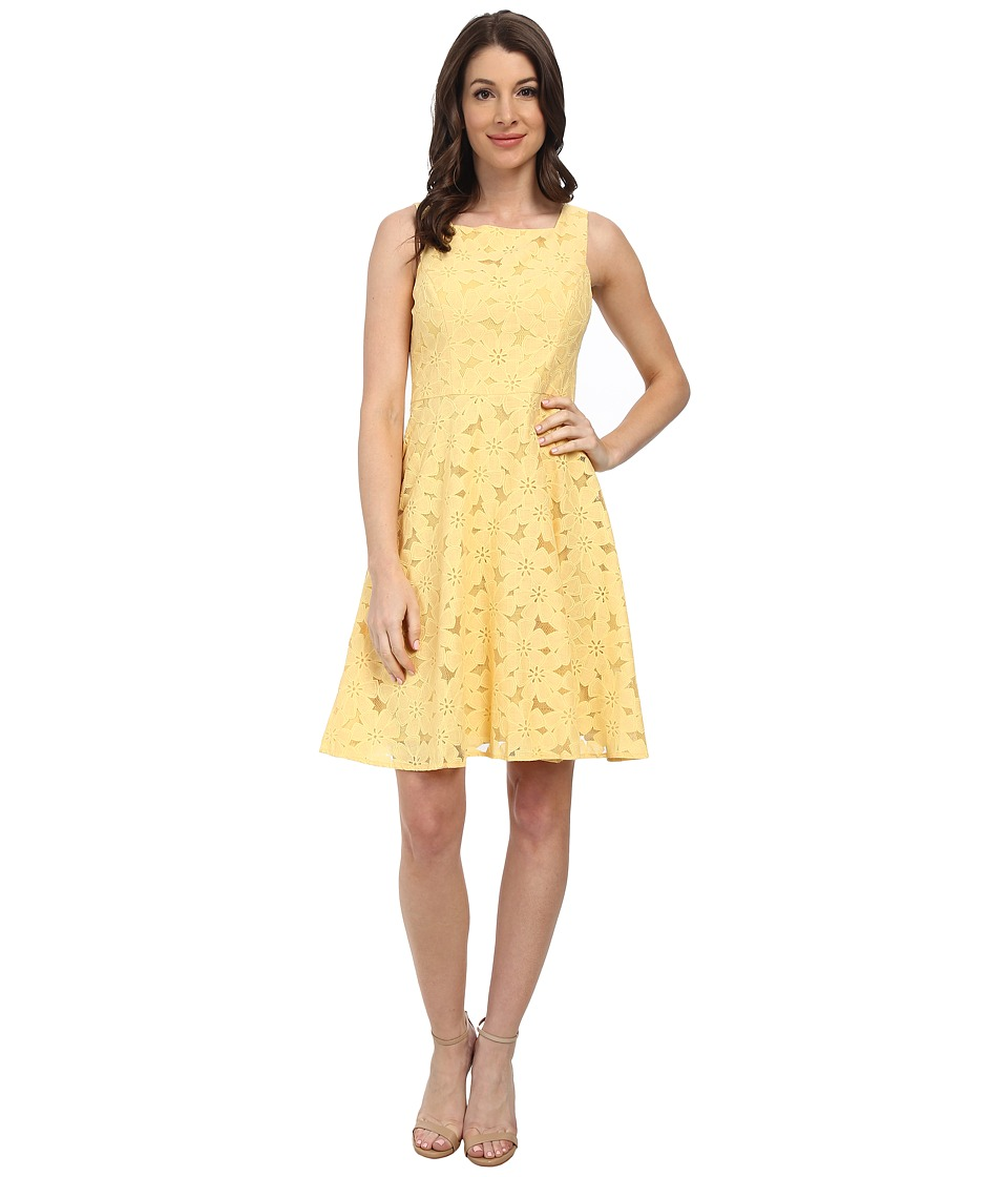 Maggy London - Stylized Daisy Lace Fit Flare (Lemon Mist) Women