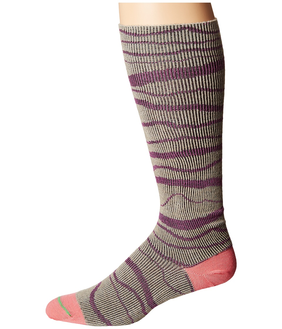 Fits - Ultra Light Snowboard Over The Calf (Plum) Crew Cut Socks Shoes