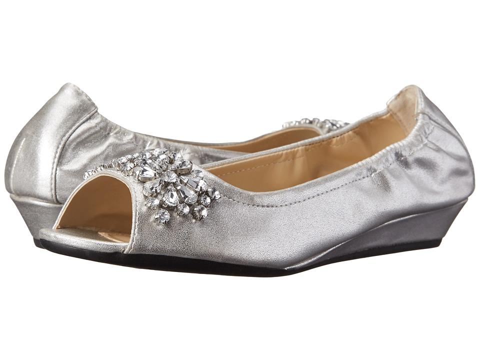 Adrienne Vittadini - Kody (Silver Soft Suede Metallic) Women's Dress Flat Shoes