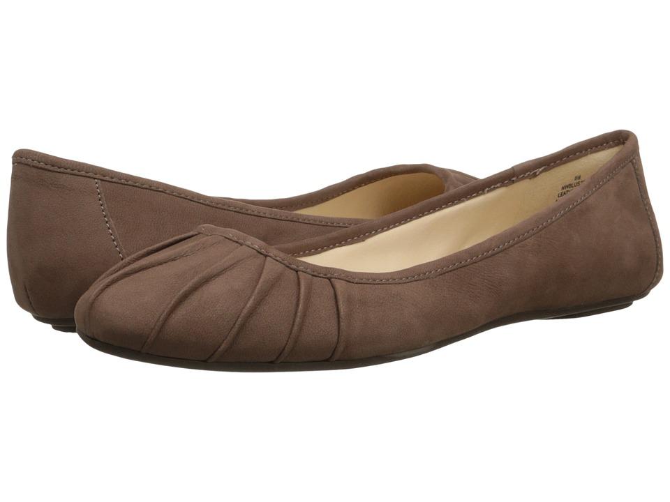 Nine West - Blustery (Light Brown Nubuck) Women's Flat Shoes
