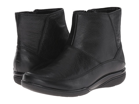 Clarks - Kearns Flame (Black) Women