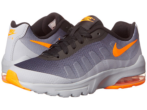 Nike Kids - Air Max Invigor (Big Kid) (Wolf Grey/Black/Total Orange) Boys Shoes