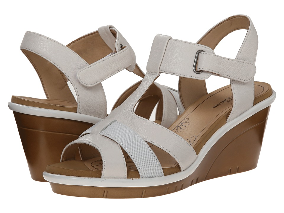 White Mountain - Bigapple (White) Women's Wedge Shoes