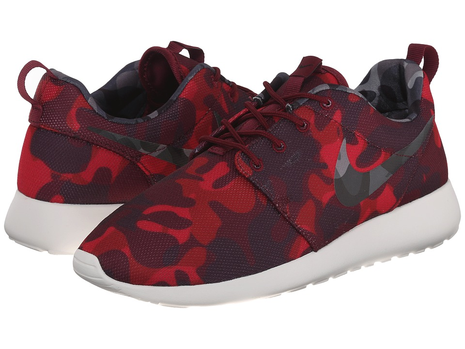 Nike - Roshe One Print (Deep Garnet/Gym Red/Very Berry/Black) Women's Shoes