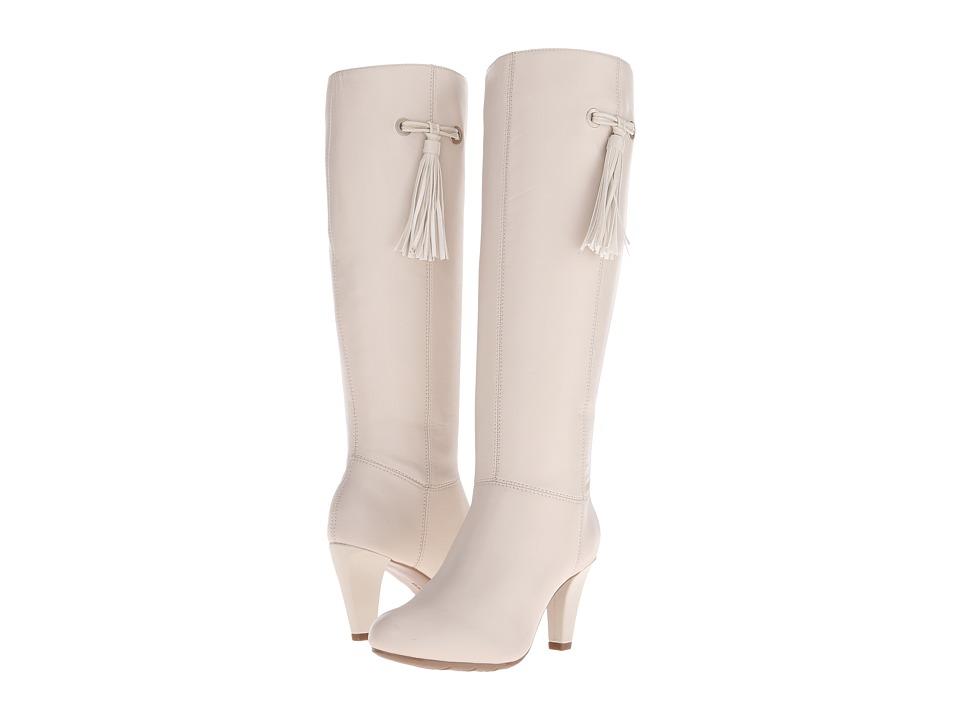 Bandolino - Bacia (Off White/Off White Leather) Women