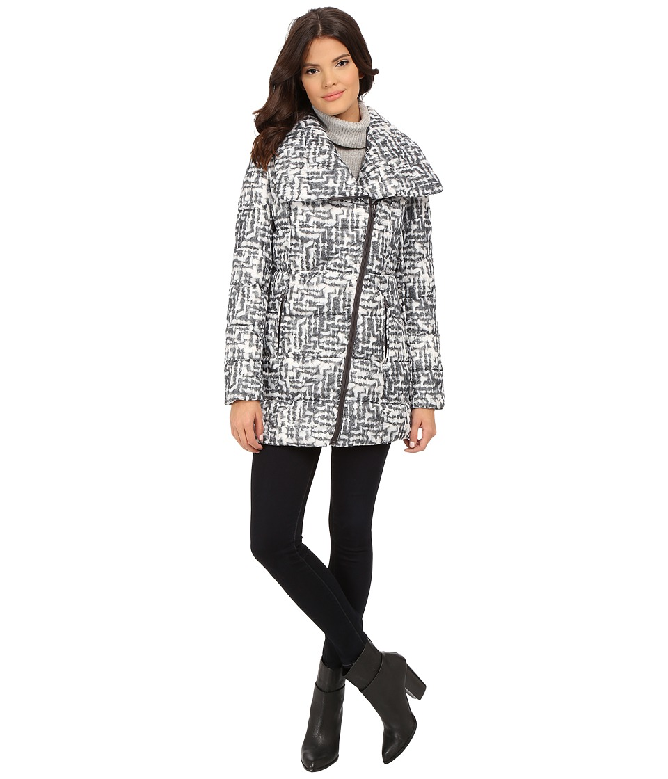 Kenneth Cole New York - Asymmetrical Sweater Print Packable Faux Down Coat (Black/White) Women's Coat