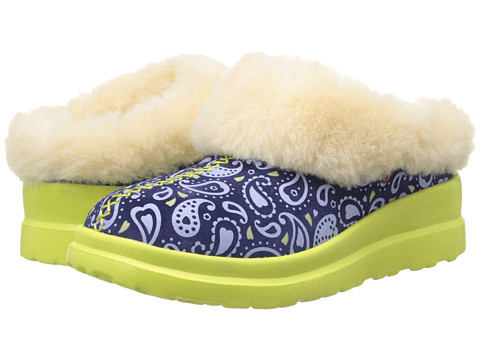 UGG - Dreams Paisley (Blue Jean Paisley Suede) Women's Slip on Shoes