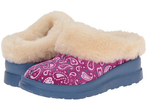 UGG - Dreams Paisley (Festival Fuchsia Paisley Suede) Women's Slip on Shoes
