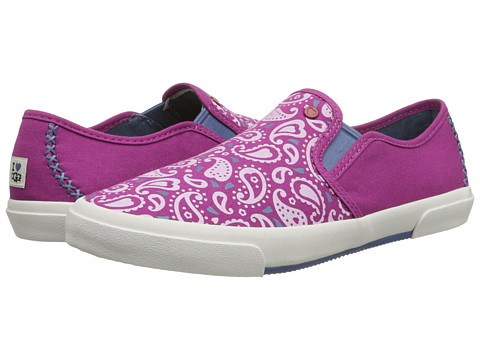 UGG - Slip-On Paisley (Festival Fuchsia Paisley Canvas) Women's Slip on Shoes
