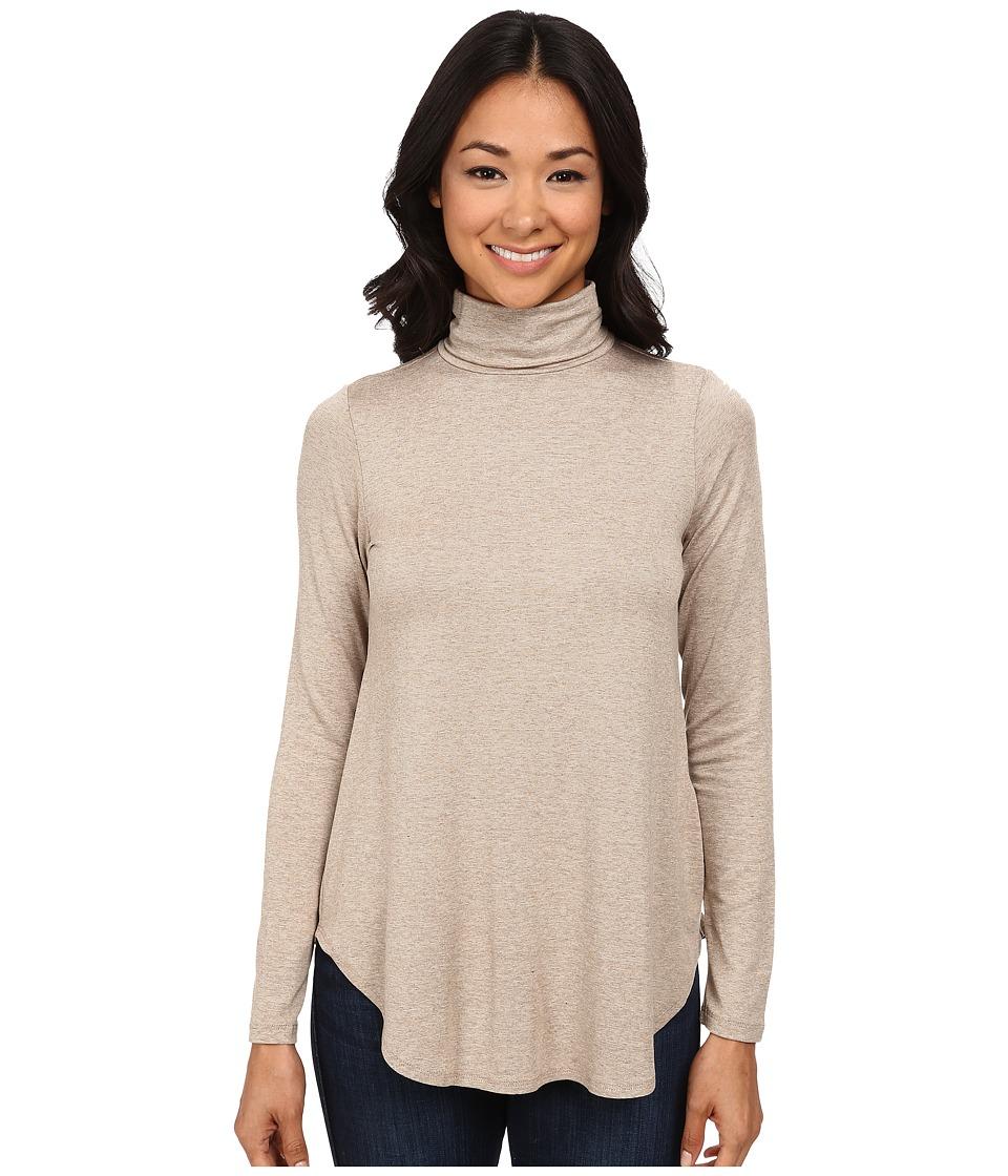 White long sleeve turtleneck t shirt for Long sleeve black turtleneck shirt