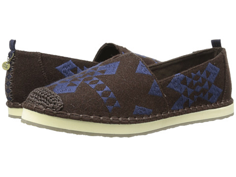 The Sak - Echo (Brown Felt) Women's Flat Shoes
