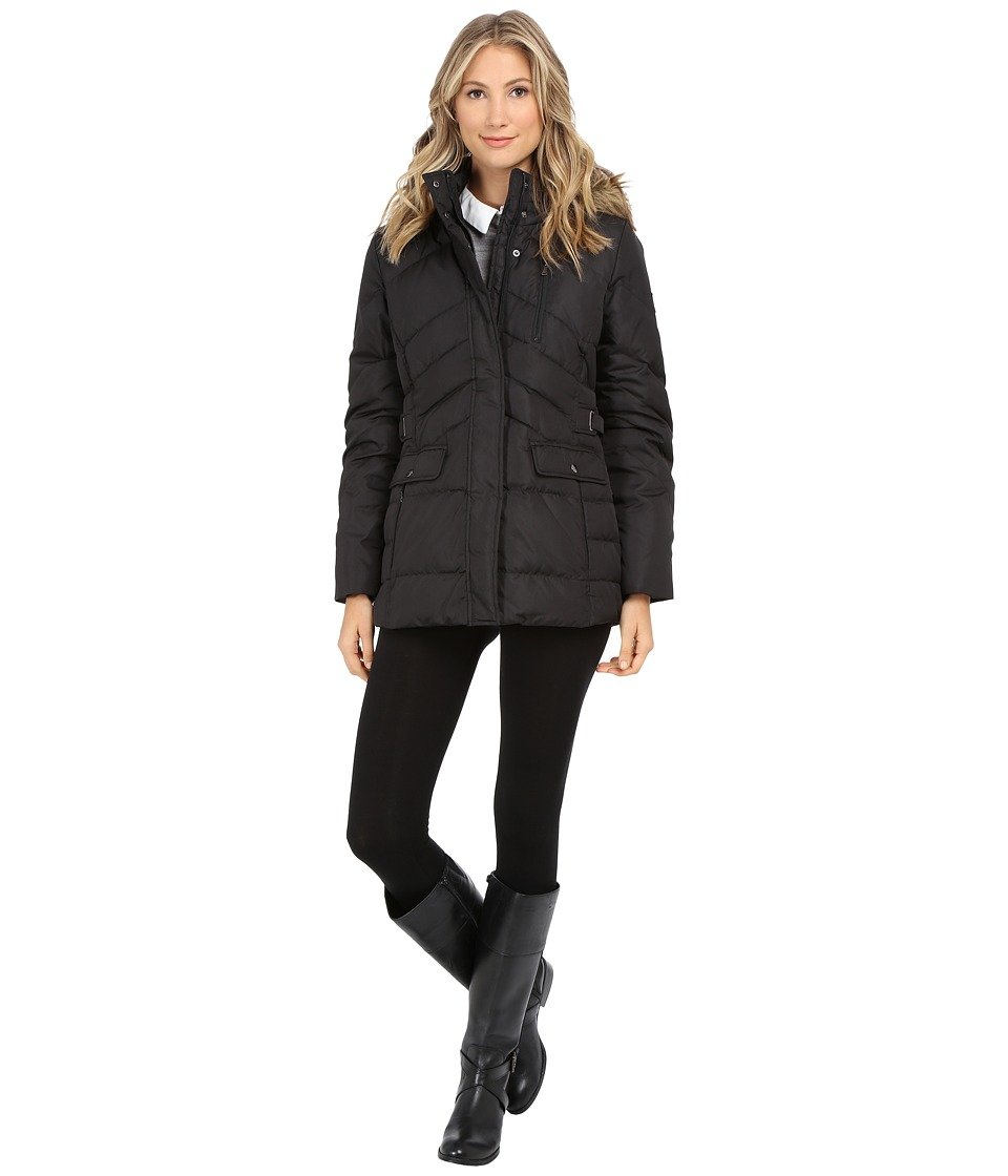 Larry Levine - Short Down with Faux Racoon Fur Hood (Black) Women's Coat