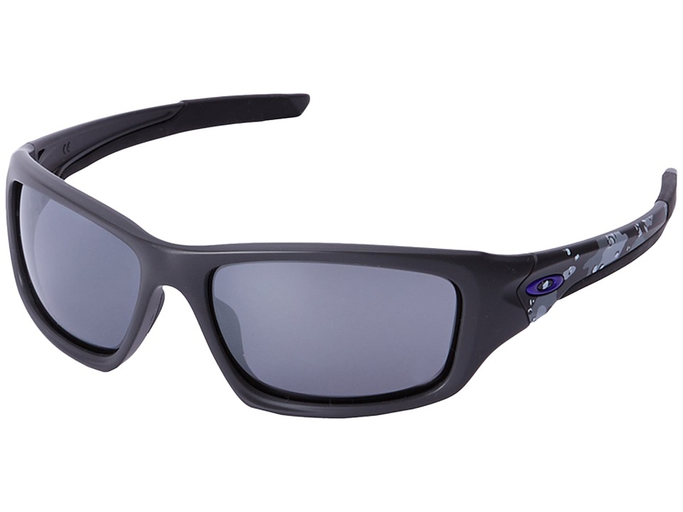 Oakley - Valve (Carbon/Black Iridium) Sport Sunglasses