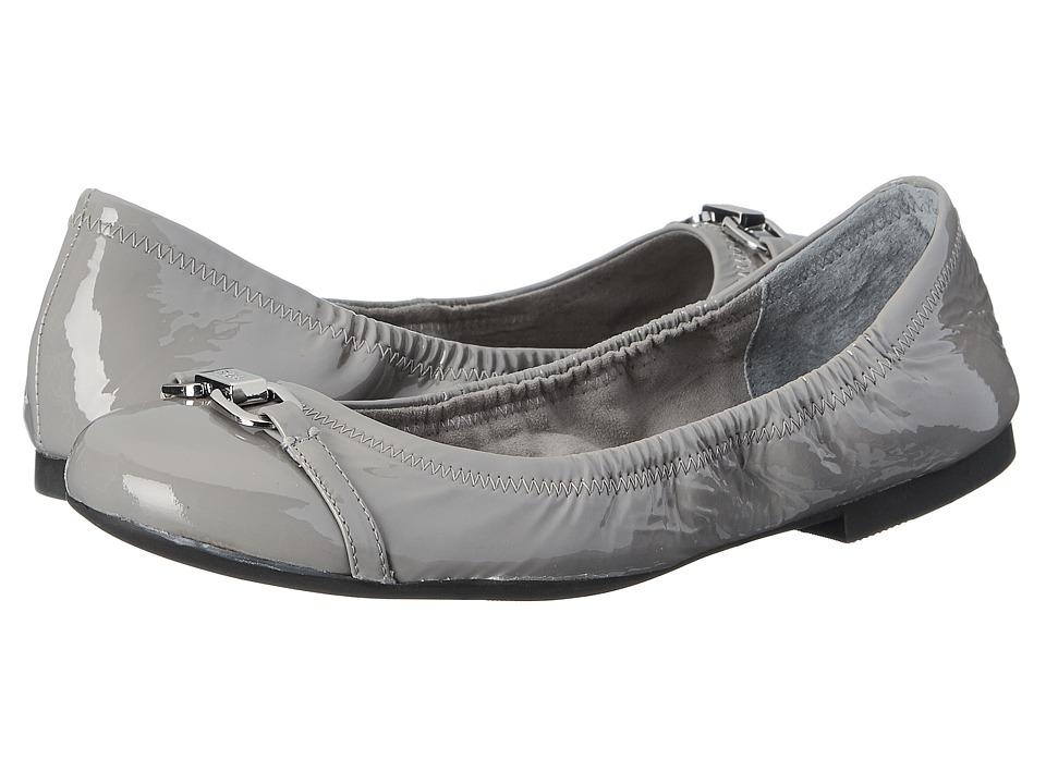 LAUREN Ralph Lauren - Betsy (Stone Crinkle Patent Leather) Women's Slip on Shoes