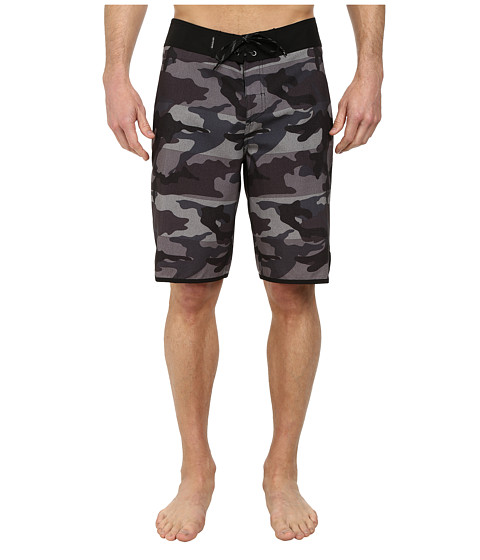 Quiksilver - Camo Scallop Boardshorts (Manic Black Camo) Men's Swimwear