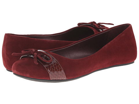 Kenneth Cole Reaction - Truth Time (Winterberry) Women's Flat Shoes