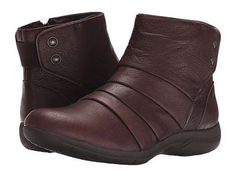 SKECHERS - Natty (Chocolate) Women's Zip Boots