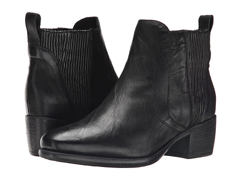 UGG Collection - Felisa (Black Leather) Women's Pull-on Boots