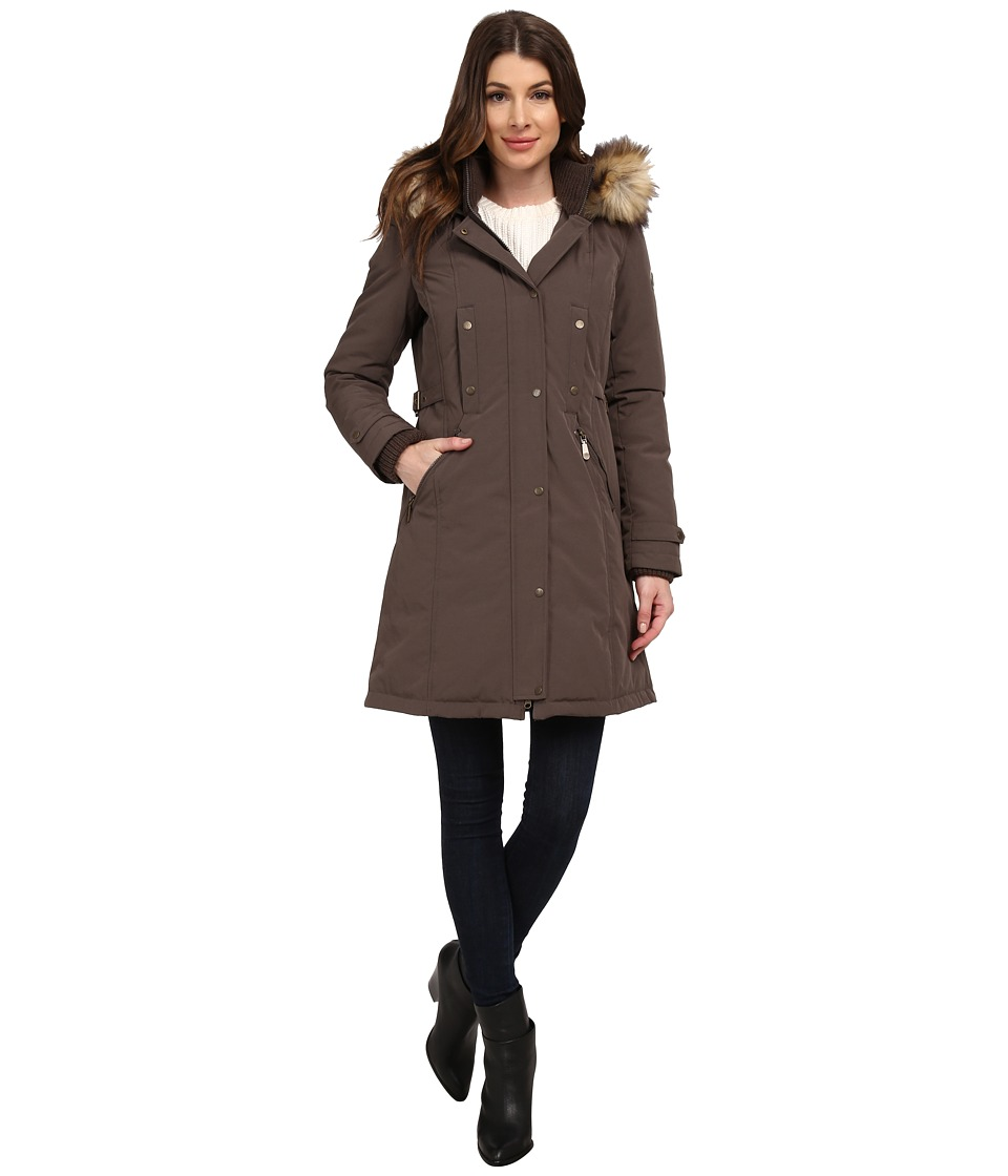 Vince Camuto - Single Breasted Matte Fabrication Down with Faux Fur Lined Hood J1721 (Dark Taupe) Women