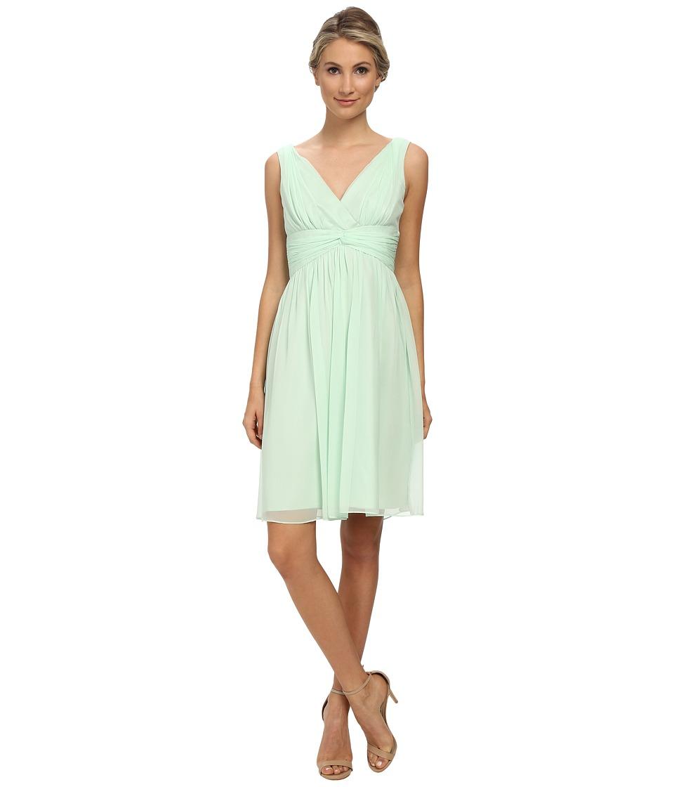 Donna Morgan - Jessie Short Bra Friendly Chiffon (Candy Apple) Women's Dress