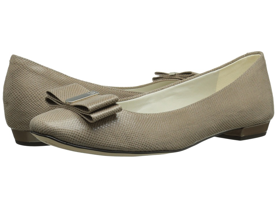 Anne Klein Enticed (Taupe Fabric) Women